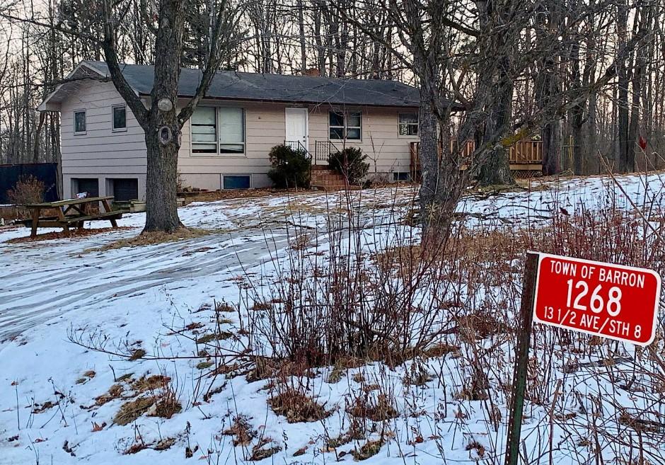 Blick auf das Haus, in dem das vermisste Mädchen mit ihren Eltern wohnte.
