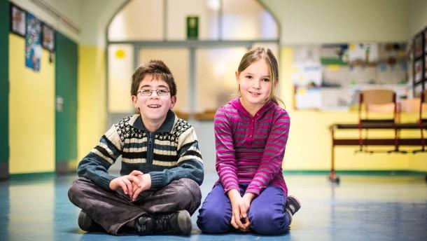 Grundschüler reden über Geld - Die Drittklässler Eray und Kimberly im Interview über Geld