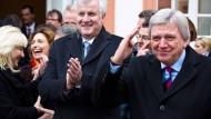 Hessisch-bayrische Vergangenheit: Horst Seehofer (links) und Volker Bouffier vor einer gemeinsamen Kabinettssitzung 2013 in Wiesbaden-Biebrich.