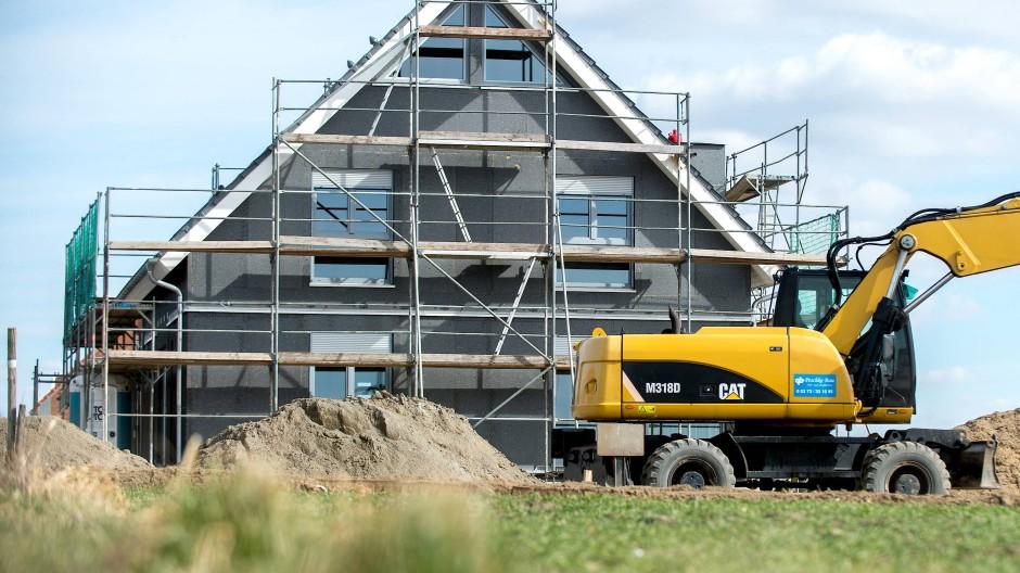 Bauland, Baumaterial, Bauarbeiter - alles wird teurer