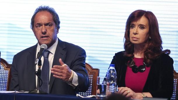 ARGENTINE PRESIDENT CRISTINA FERNANDEZ DE KICHNER AND PRESIDENTIA