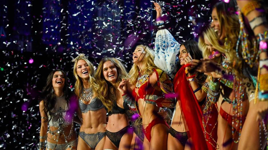 """Von Diversität ist hier nicht viel zu sehen: """"Victoria's Secret"""" Models bei der Show 2017"""