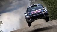 Nicht zu stoppen: Sébastien Ogier hier bei der Rallye Finnland im Juli