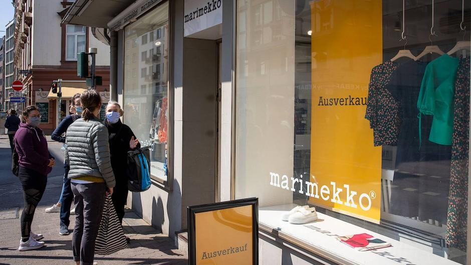 Die finnische Designermarke Marimekko schließt am Oeder Weg ihre einzige Deutschland-Filiale.