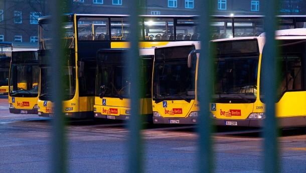 Großer Warnstreik legt Berliner Nahverkehr lahm