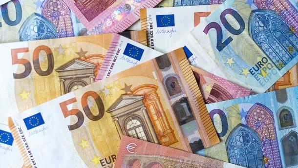 Steuerfahnder und Prüfer nehmen zwei Milliarden Euro ein