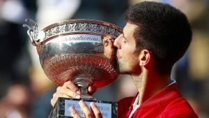 Djokovic ist am Boden – und doch ganz oben
