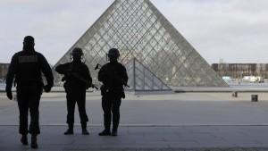 Hollande: Frankreich kämpft entschlossen gegen Terrorismus