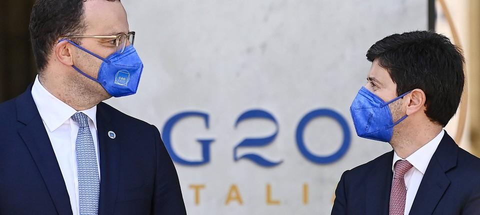 Wollen vermehrt auch in Entwicklungsländern impfen: Jens Spahn und Roberto Speranza (r.) am Sonntag in Rom