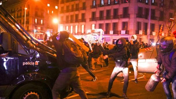 Gewaltsame Proteste in Madrid und Barcelona
