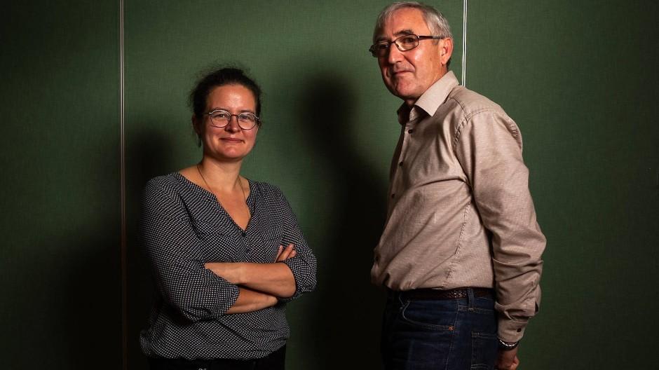 """Annekathrin Pohle, Künstlerin, und Matthias Barth, Rentner, haben sich an der Aktion """"Deutschland spricht"""" beteiligt."""