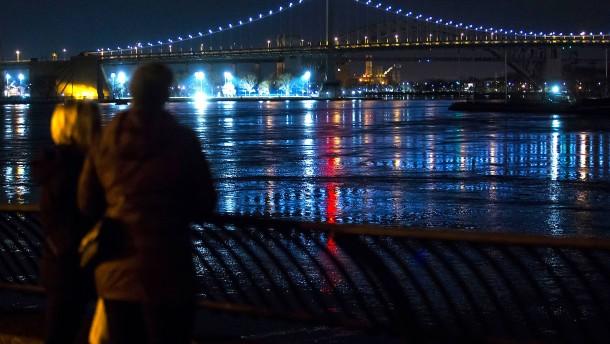Fünf Tote bei Hubschrauberabsturz in New York