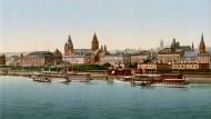 So geht Promenade: Am linken Mainzer Rheinufer entstanden in der Gründerzeit prächtige Neubauten, darunter Hotels und die Stadthalle.