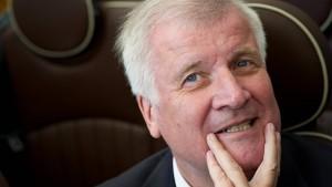 Seehofer führt CSU als Spitzenkandidat in die Landtagswahl