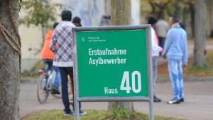 Rund 50.000 Asylbewerber gehen freiwillig