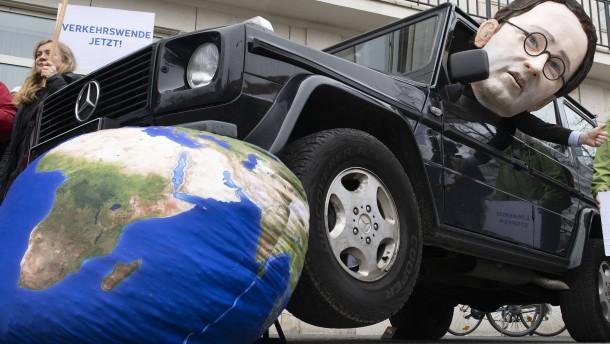 Streit um Tempolimit: Kommission bleibt ohne Einigung bei Klimaschutz im Verkehr