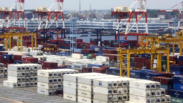 Heftigster Exporteinbruch seit zehn Jahren