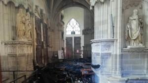 Brennende Orgeln und geköpfte Heiligenstatuen