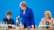 Die letzte Wahlperiode? Annegret Kramp-Karrenbauer, Angela Merkel und Julia Klöckner im Konrad-Adenauer-Haus in Berlin