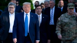 Bürgerrechtler verklagen Trump und Barr