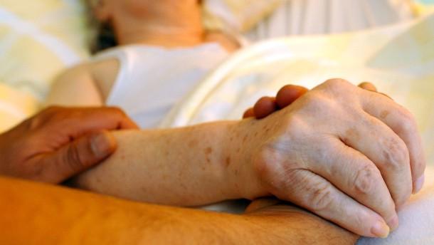 Sterben: Ruhig an der Hand oder schnell auf Rezept?
