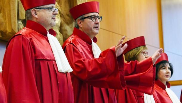 Wie entscheidet das Verfassungsgericht im Streit über AfD-Bundestagsvize?