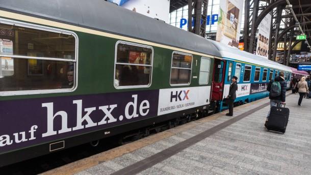 Ein Bahn-Konkurrent knickt ein