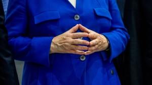 CDU-Wirtschaftsflügel für Minderheitsregierung mit Merkel