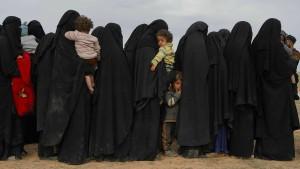 Angehörige von getöteten IS-Kämpfern fordern Rückkehr ihrer Familien