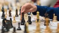 Schachspielen auf dem klassischen Brett wird immer seltener