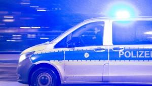 Vollsperrung auf A7 nach Unfall – Psychiatrie-Flüchtiger gefasst
