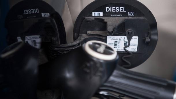Minister verteidigt Diesel