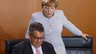 It-Girl und Hakenschläger:Ob Gabriel schon weiß, wer es gegen Merkel nicht schaffen können darf?