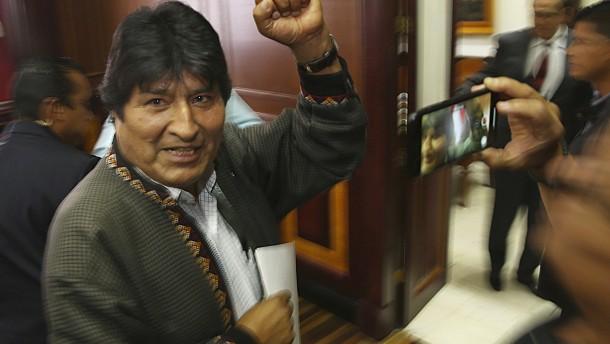 Evo Morales sucht Zuflucht in Argentinien