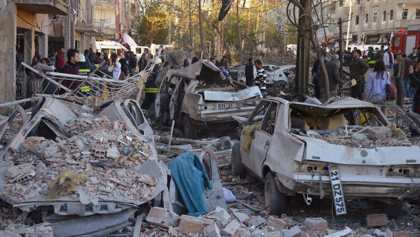 Mindestens acht Tote bei Anschlag in Kurdenmetropole