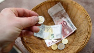 Trotz Kirchen-Krise sprudeln die Einnahmen