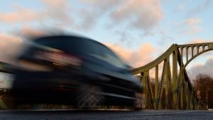 Vier Teenager fahren mit dem Auto 1000 Kilometer durch Australien