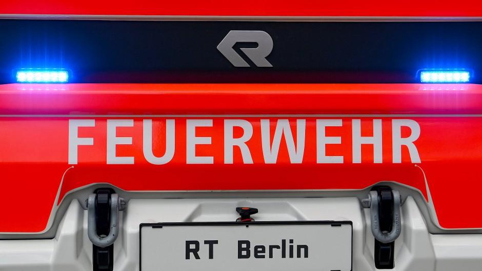 Die Senatsinnenverwaltung listet 25 Einbrüche in Feuerwehrwachen oder Feuerwehrautos in ganz Berlin und 13 Versuche seit 2011 auf.