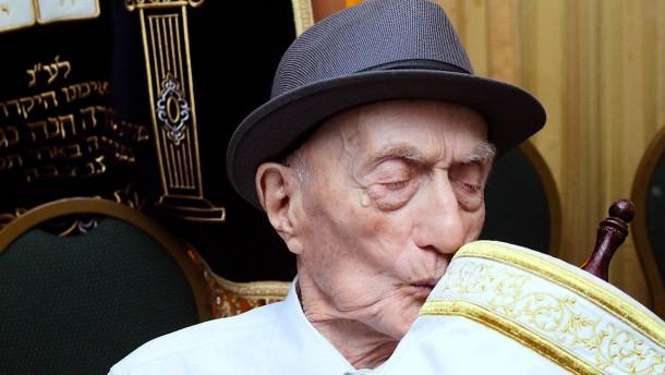 Mit 113 Jahren : Der älteste Mann der Welt feiert Barmizwa