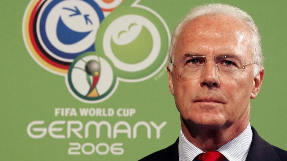 """""""Ja, wo samma denn?"""": Franz Beckenbauer redet sich in Rage."""