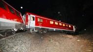 Schlammlawine lässt in Thüringen Zug entgleisen