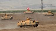 Drohgebärde: Manöver der türkischen Armee an der Grenze zum Irak