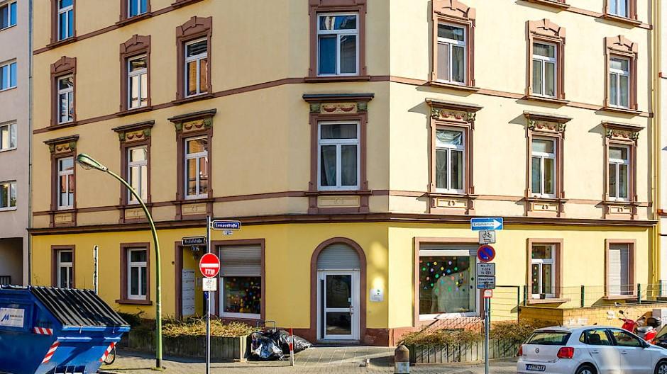 Nachbarschaftshilfe online: 1040 Menschen sind im direkten Umfeld der Autorin beim Netzwerk Nebenan.de im Frankfurter Nordend angemeldet.