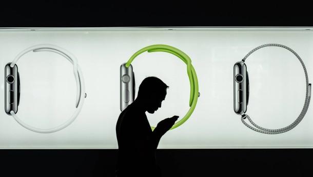 Erste Krankenkasse zahlt für Apple Watch