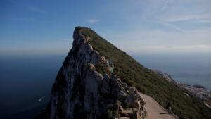 Spanisches Kriegsschiff vor Gibraltar erzürnt  Briten