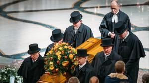 Tausende bei Gottesdienst für Peter Schreier