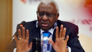 IAAF-Präsident Lamine Diack während einer Pressekonferenz in Beijing