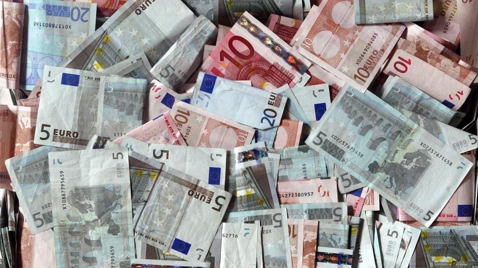 Viel Geld ist im Euroraum unterwegs: seit 2001 hat sich die Geldmenge M3 verdoppelt