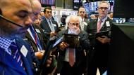 Beunruhigte Händler an der Wall Street in New York