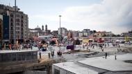 Viel Beton, wenig Grün: Der Taskim-Platz neben dem Gezi-Park in Istanbul ist eine Großbaustelle